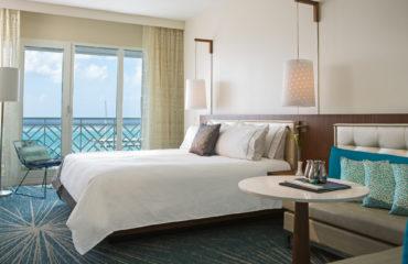 Guestroom_Ocean_King_1824